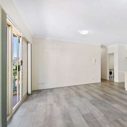 Rent this 2 bed apartment on 35-47 Missenden Road