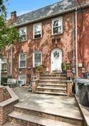 Rent this 4 bed townhouse on 84th St in Brooklyn, NY