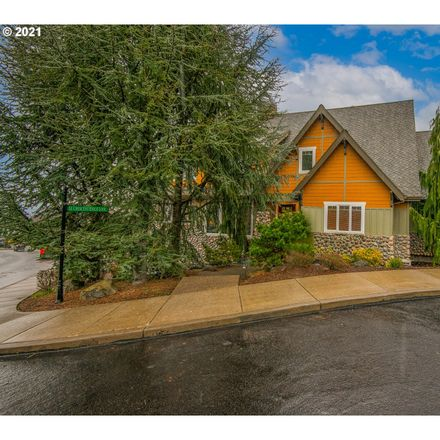 Rent this 5 bed house on SE Crescent Ridge Loop in Happy Valley, OR