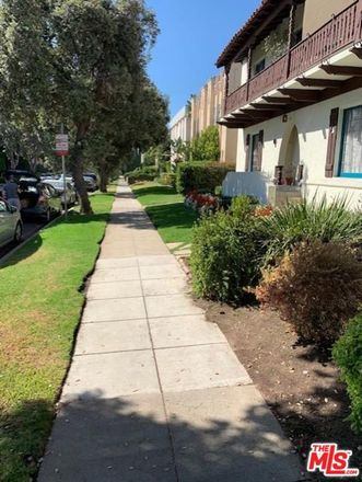 Rent this 1 bed condo on North Clark Drive in Beverly Hills, CA 90211