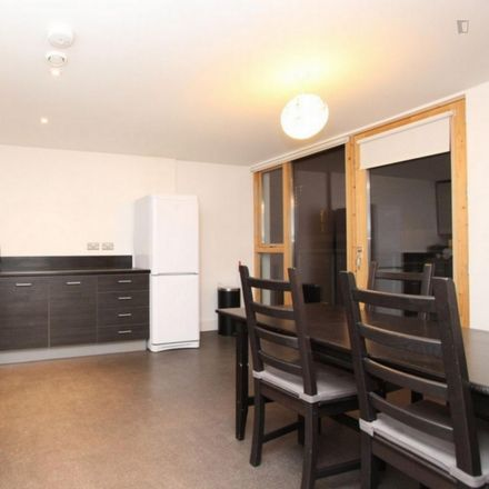 Rent this 3 bed room on 4 Mastmaker Road in London E14 9AJ, United Kingdom
