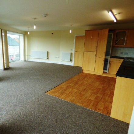 Rent this 2 bed apartment on 85 degrees restaurant & grill in Oxford Road, Reading RG30 1HF