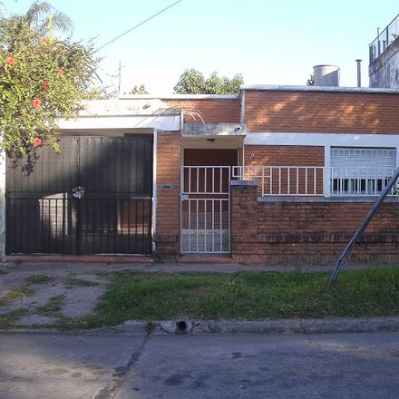 Rent this 0 bed house on Club Teléfono in Buchanan, Celedonio Escalada