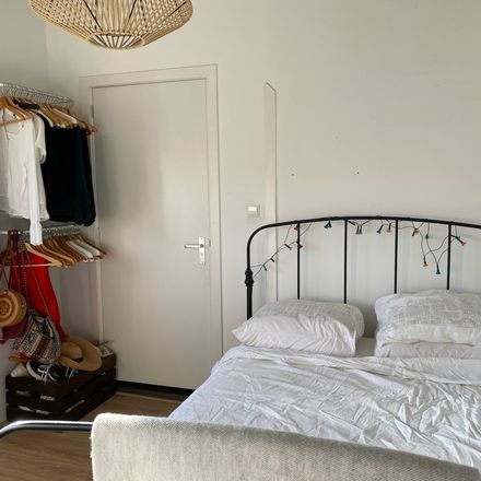 Rent this 1 bed room on Victorieplein in Rijnstraat, 1078 AE Amsterdam