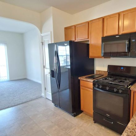 Rent this 3 bed townhouse on 122 Melrose Court in South Elgin, IL 60177