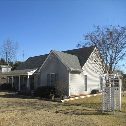 Rent this 3 bed house on 209 Earle Street in Walhalla, SC 29691
