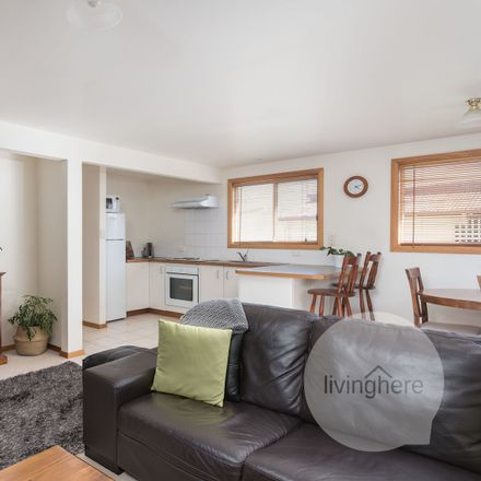 Rent this 1 bed house on 14a Henty Street