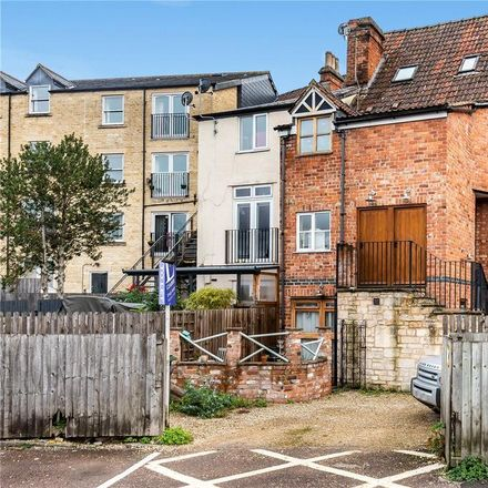 Rent this 2 bed apartment on Co-op Food in 6 Old Market, Stroud GL6 0DU