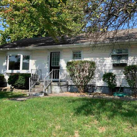 Rent this 3 bed house on Fifth St in Mackinaw, IL