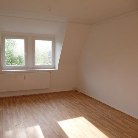 Rent this 5 bed apartment on Greizer Straße 45 in 07545 Gera, Germany