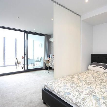Rent this 1 bed apartment on 402/565 Flinders Street