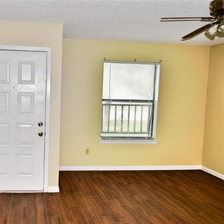 Rent this 2 bed condo on 400 Amber Lane in Crowley, TX 76036