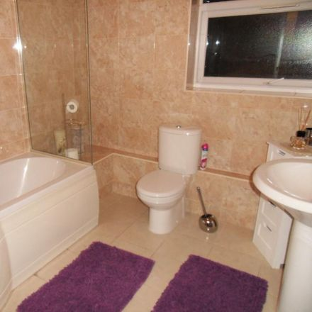 Rent this 2 bed apartment on London TW4 7RR