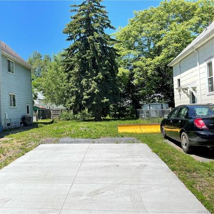 Rent this 0 bed apartment on 402 Willett Street in Buffalo, NY 14206