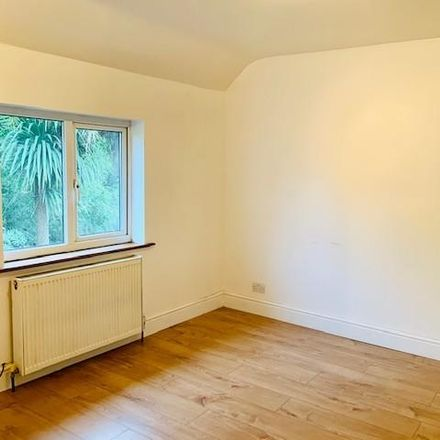 Rent this 3 bed house on Collingwood Road in London, United Kingdom