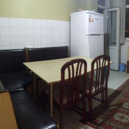 Rent this 4 bed room on İstanbul Atatürk Fen Lisesi in Sarayönü Caddesi, 34722 Kadıköy