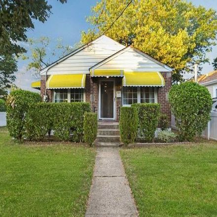 Rent this 3 bed house on 121-03 Farmers Boulevard in New York, NY 11413