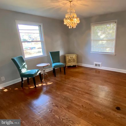 Rent this 3 bed house on S Fort Scott Dr in Arlington, VA