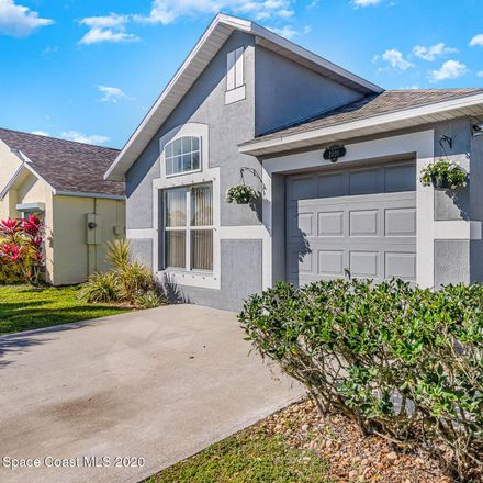 Rent this 3 bed house on Redwood Circle in Palm Harbor, FL 33763