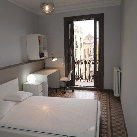 Rent this 6 bed room on Carrer del Carme in 40, 08001 Barcelona