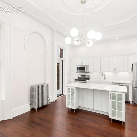Rent this 3 bed apartment on 195 Adelphi Street in New York, NY 11205