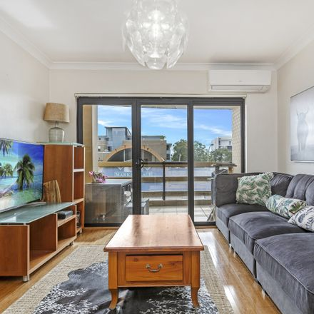 Rent this 2 bed apartment on 4/346 Port Hacking Road