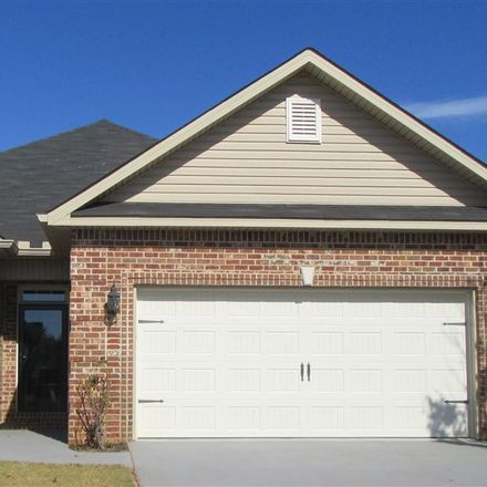Rent this 3 bed townhouse on Glen Arbor Ln in Warner Robins, GA