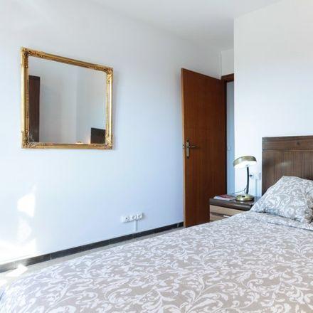 Rent this 3 bed apartment on Ronda de la Guineueta Vella in 30, 08042 Barcelona