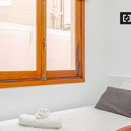 Rent this 6 bed apartment on Calle Blasco Ibáñez in 46100 Burjassot, Spain