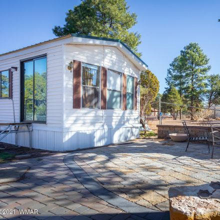 Rent this 1 bed house on Tenderfoot Trl in Overgaard, AZ