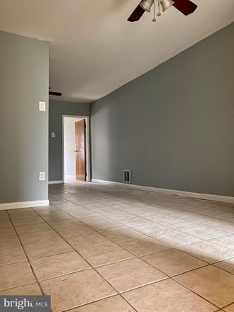 Rent this 1 bed townhouse on 1023 South 7th Street in Philadelphia, PA 19147