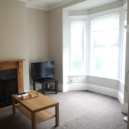 Rent this 3 bed house on 59 Upper Warrengate in Wakefield WF1 4JZ, United Kingdom