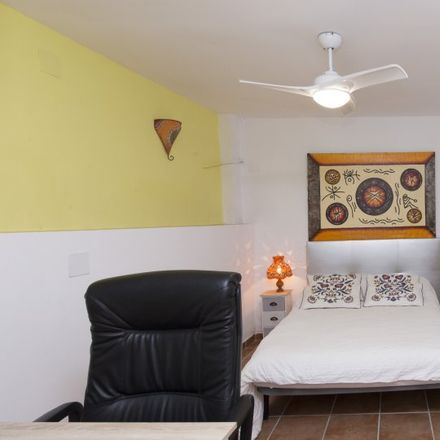 Rent this 3 bed apartment on Calle Roble in 28670 Móstoles, Spain