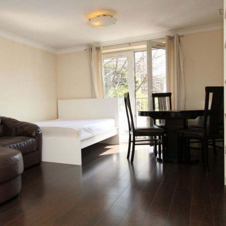 Rent this 2 bed room on Millennium Drive in London E14 3GA, United Kingdom