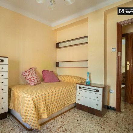 Rent this 3 bed room on Calle Ferrocarril in 28807 Alcalá de Henares, Spain