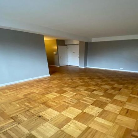 Rent this 2 bed house on 1410 Parkchester Road in New York, NY 10462