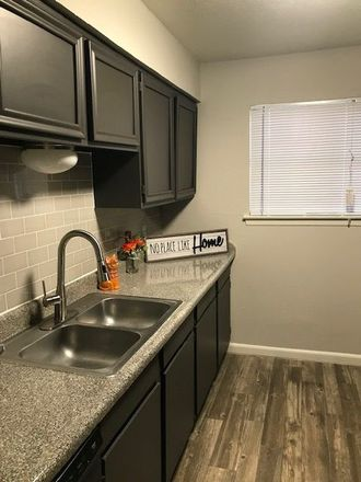 Rent this 3 bed apartment on 1521 Hanover Drive in Arlington, TX 76014