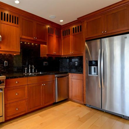 Rent this 1 bed room on 2033 Boylston Avenue East in Seattle, WA 98102