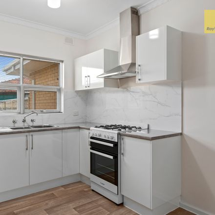 Rent this 2 bed apartment on 5/4 Merlin Road