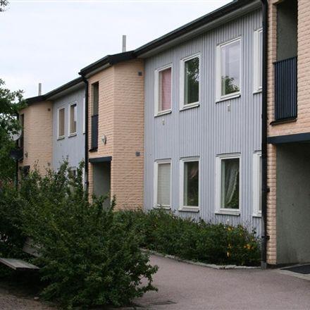 Rent this 2 bed apartment on Nyvången in 302 57 Halmstad, Sweden