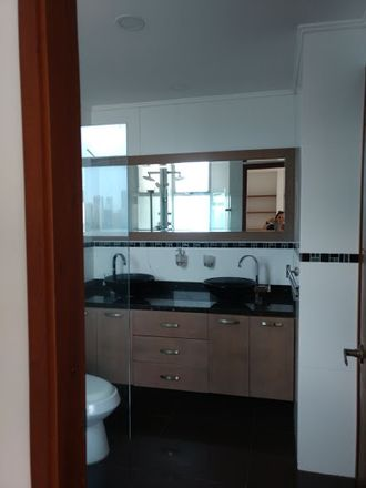 Rent this 3 bed apartment on BOOMTEA BUBBLE TEA & BAKERY in Calle 24, Dique