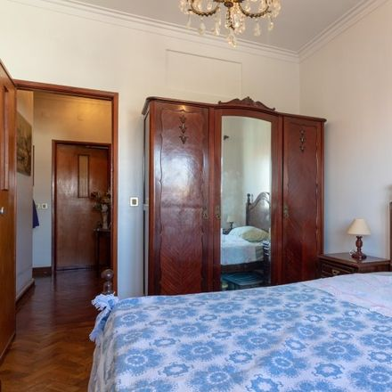 Rent this 2 bed room on Rua do Lobito 242 in Carcavelos e Parede, Portugal