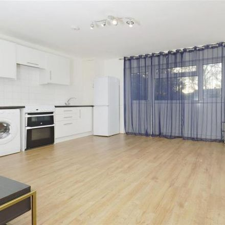 Rent this 1 bed apartment on Oakwood in Stafford Close, London N14 4BD
