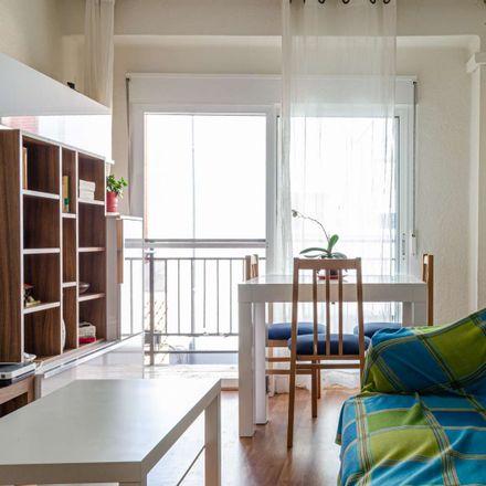 Rent this 1 bed room on Carrer de Vidal de Canelles