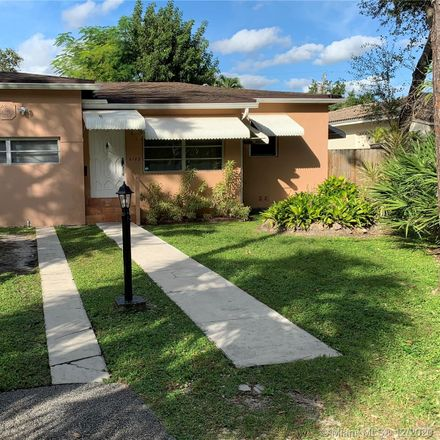 Rent this 3 bed house on FL
