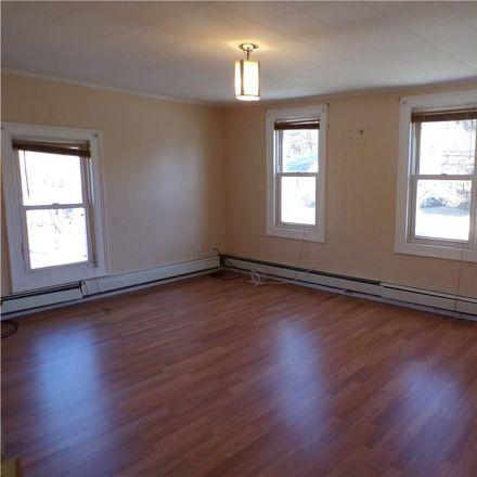 Rent this 4 bed house on Waterbury Plaza in 2211 North Main Street, Waterbury