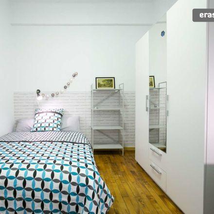 Rent this 3 bed room on Santimami zumarkalea / Alameda San Mamés in 38, 48010 Bilbao