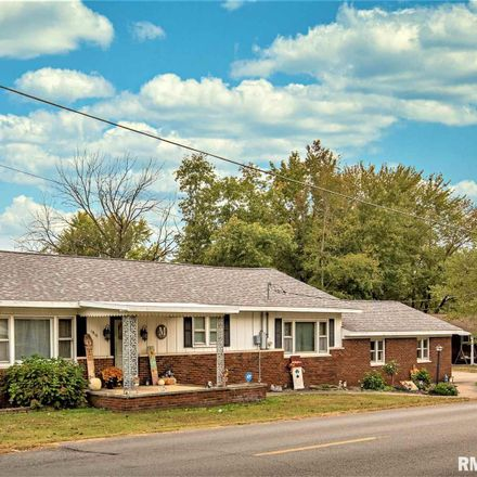 Rent this 3 bed house on 1810 East Cleveland Street in West Frankfort, IL 62896