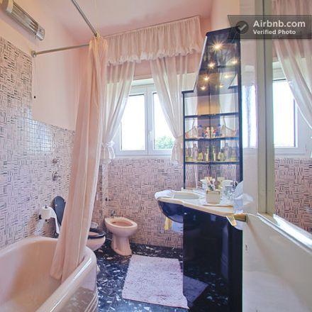 Rent this 3 bed room on Banca Popolare di Milano in Via Vallazze, 62