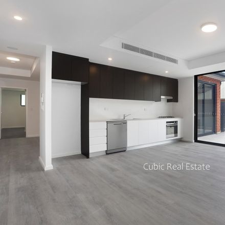 Rent this 3 bed apartment on 31-35 Heath st